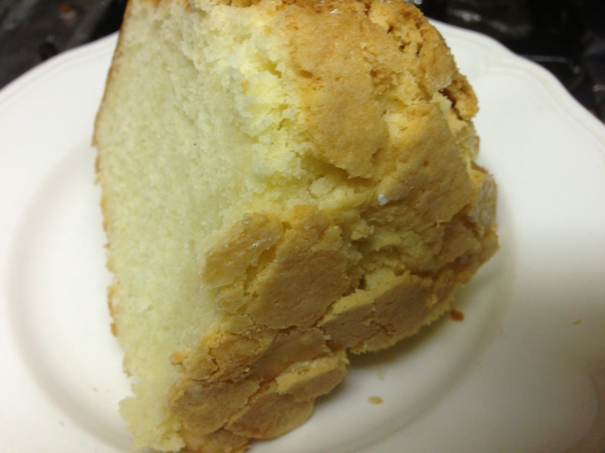 CREAM CHEESE POUND CAKE : Stepbysteprecipe.com